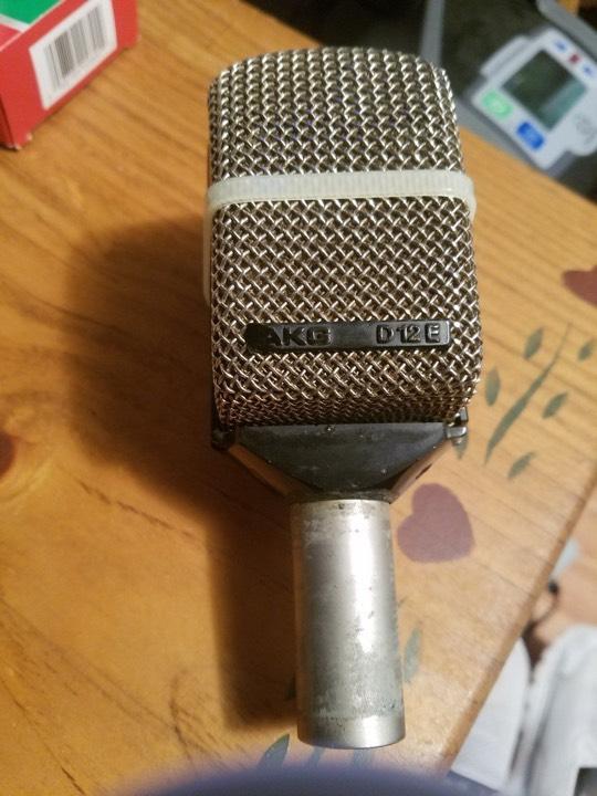 microfono akg d12